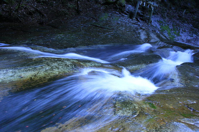 美しいやまとの水!深谷龍鎮渓谷