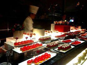 大人気!イチゴ香る『ヒルトン東京』ストロベリーアートに行こう!