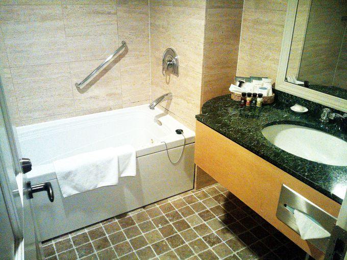 バスルームはジャグジー付!