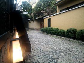 「和」と「洋」の融合!「東京・神楽坂」石畳残る路地裏散歩