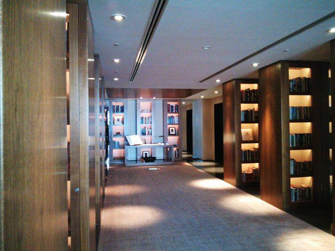 2000冊以上所蔵するホテルライブラリー