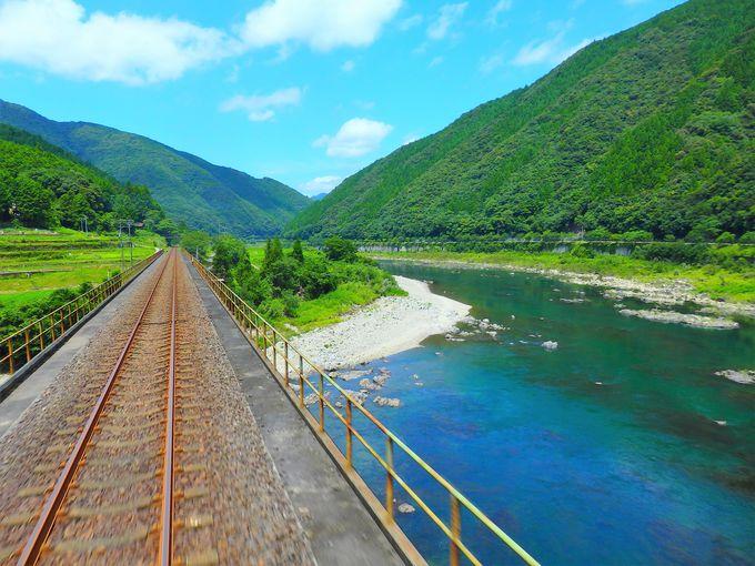 予土線の高知県側は、トンネル、鉄橋、絶景の連続!