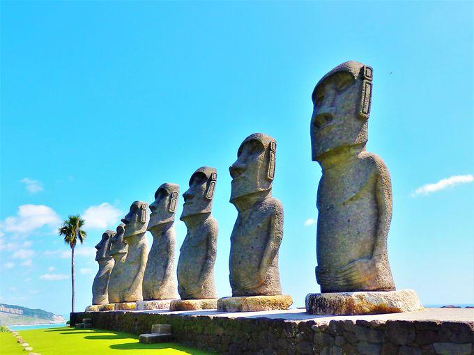 7体のモアイ像は、修復活動のお礼としてサンメッセ日南へ。