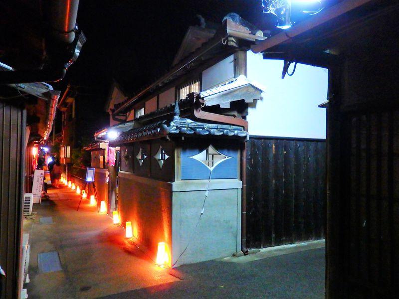 和歌山「ゆあさ行灯アート展」で千年の町並みがGWに輝く!