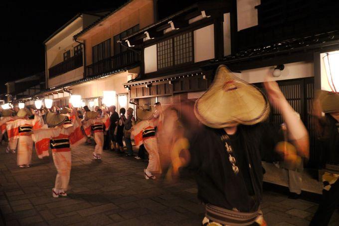 おわら風の盆前夜祭なら、踊り子に見惚れていても大丈夫!