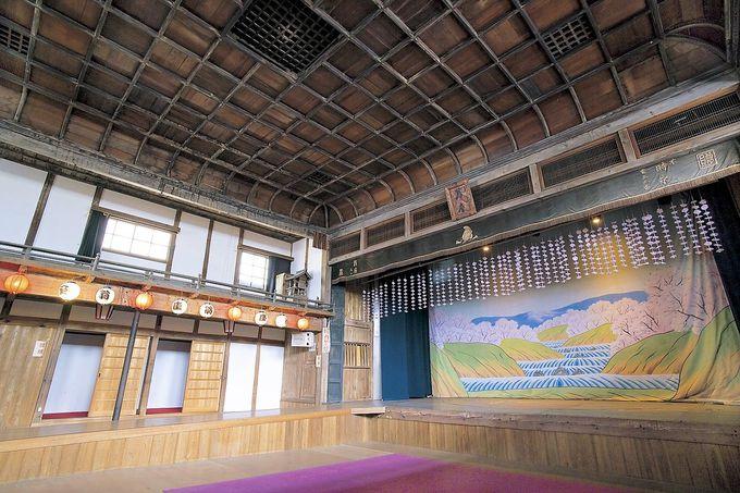 「翁座」は中国地方唯一の現存する木造芝居小屋