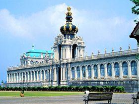 「有田ポーセリンパーク」は陶器の町に現れたヨーロッパ大宮殿?
