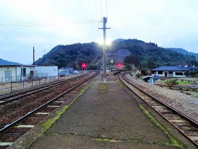 夜明けのあとは夜明駅周辺散策も