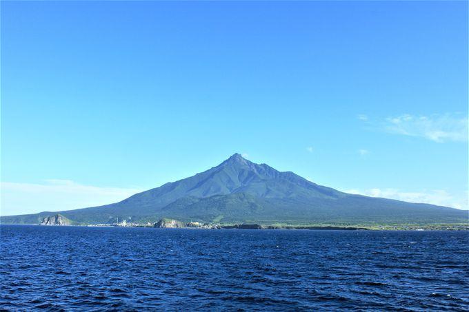 利尻島へのアクセスは稚内からフェリーで