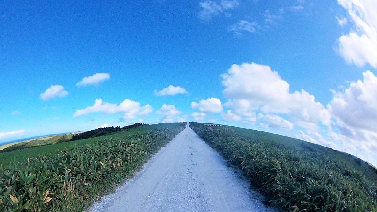 PM3時:稚内観光一番のおすすめ、宗谷丘陵の白い貝殻の道