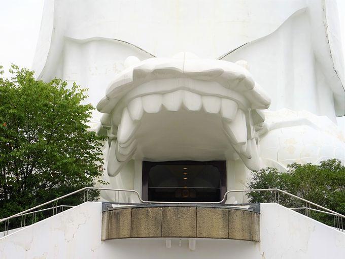 仙台大観音入口は開運や出世を約束する登竜門