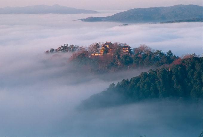 天空の城「備中松山城」やベンガラの町「吹屋」も高梁の名所
