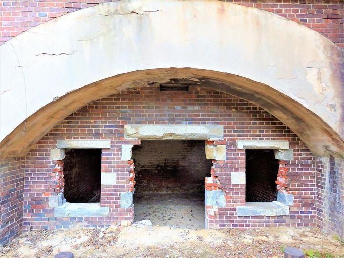 大久野島中部砲台跡は、全国で最も完全な形を残す砲台跡