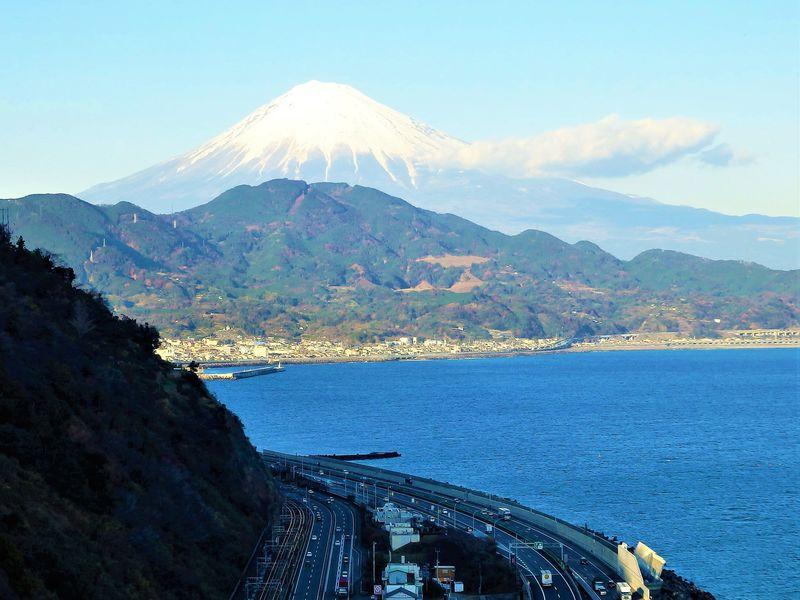 静岡・薩埵峠は富士を望む東海道随一の絶景スポット