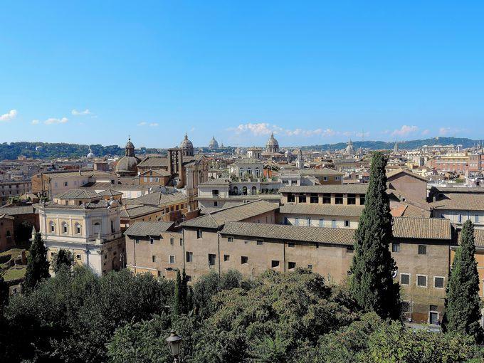 美しい旧市街の眺めが楽しめる、カピトリーニ美術館の屋上テラス。
