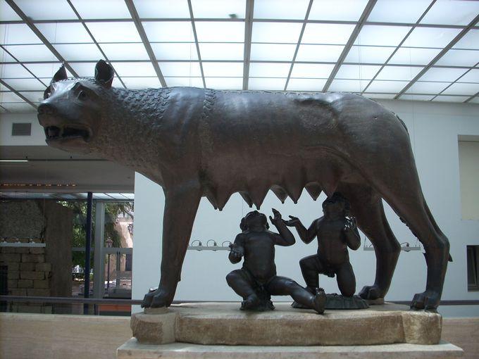 """ローマで一番有名な雌オオカミ""""カピトリーノの雌オオカミ"""""""