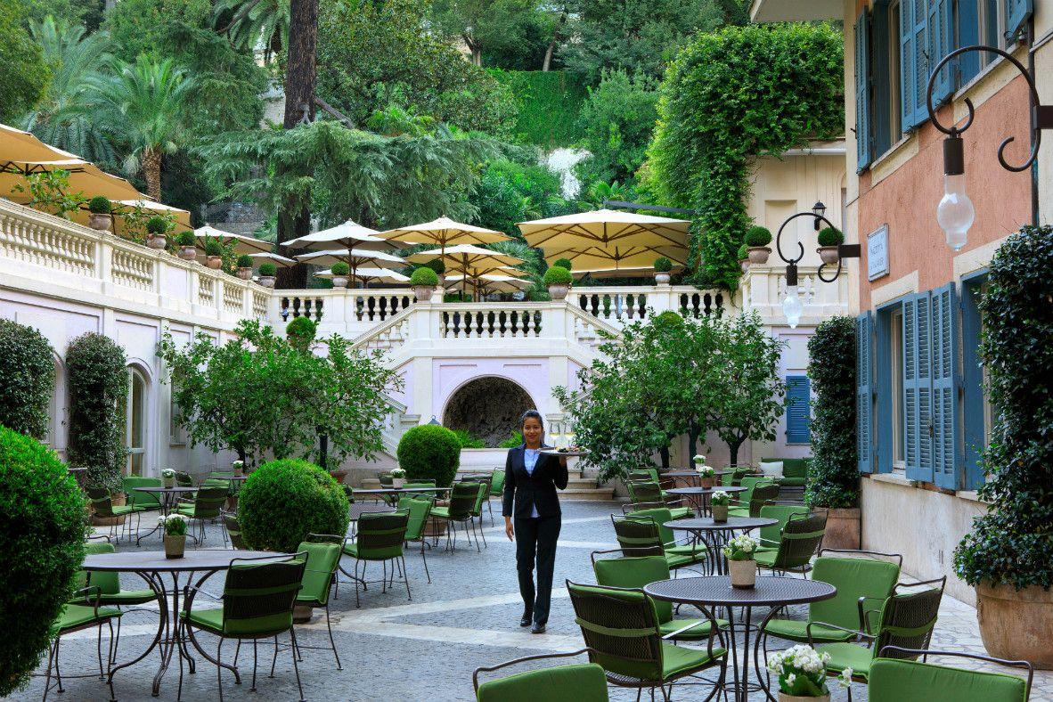 フォトジェニックなお庭が魅力!ローマ「ホテル デ ルシエ」