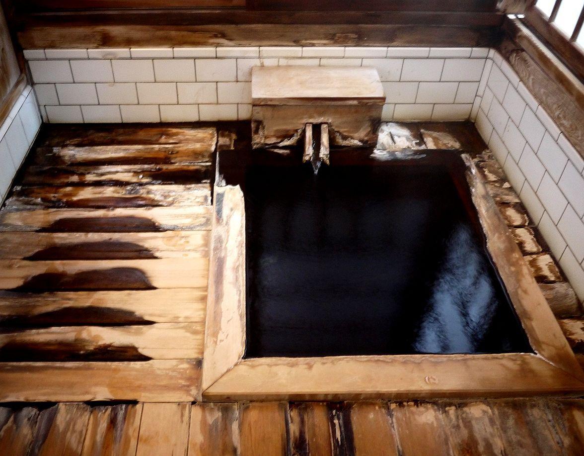 湯屋造りの総檜家族風呂は、お一人様用の風呂だった!