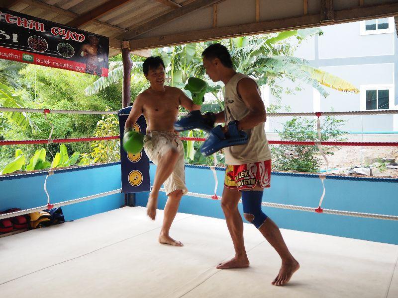 タイ人気リゾートクラビで立ち技世界最強格闘技ムエタイ体験!