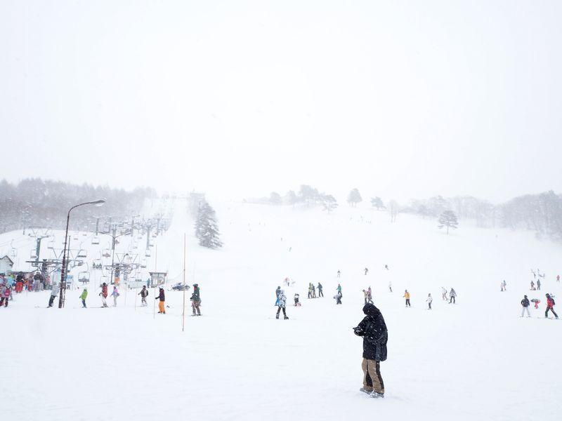 2つの県にまたがる広大なスキーエリアに驚くことなかれ!
