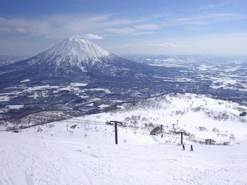 第4位:北海道「ニセコグラン・ヒラフ」30コース