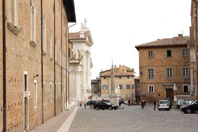 ルネッサンス絵画の巨匠ラファエロを生んだ世界遺産の街ウルビーノ