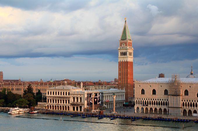 ヴェネチアの正面玄関はクルーズでしか見ることができません