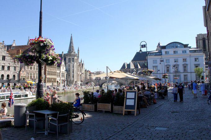 最後はゲント観光の中心「聖バーフ広場」へ
