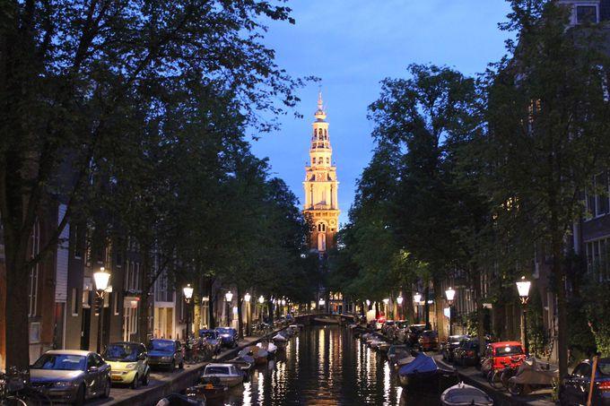 南教会が運河越しに見えるはね橋のポイント