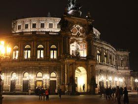 ザクセン州立歌劇場とドイツ最古のクリスマス市!冬のドレスデン
