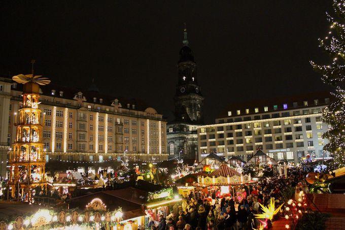 ドイツ最古のクリスマス市はお菓子の「シュトレン」が由来!