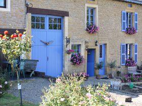 花に彩られた田園の風景!ベルギー・ワロン地方の美しい小さな村々