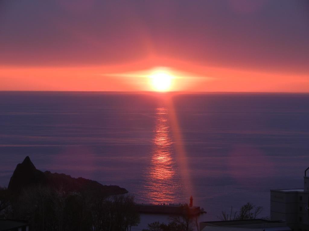 これぞ世界自然遺産!オホーツク海に沈む人気の夕日スポット