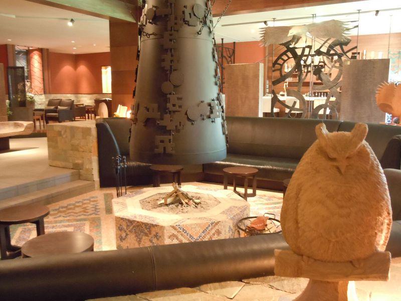まるで美術館!「北天の丘 あばしり湖鶴雅リゾートホテル」で古代オホーツクへタイムスリップ