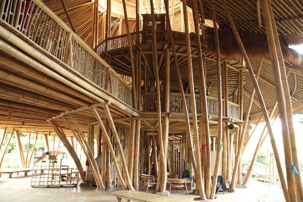 世界最先端のエコスクール、バリ島「グリーンスクール」でエコ体験!