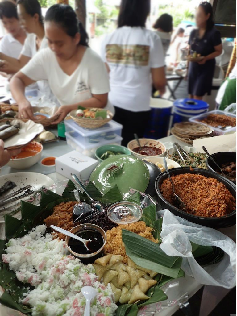 バリ島サヌールの日曜日はカフェ・バトゥジンバールのサンデーマーケットへGO!