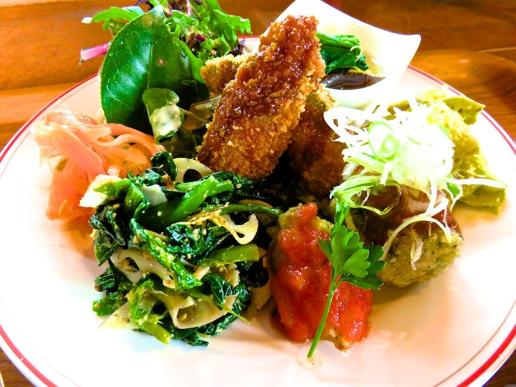 【二日目 昼食】鹿児島の野菜を思う存分味わおう「森のかぞく」