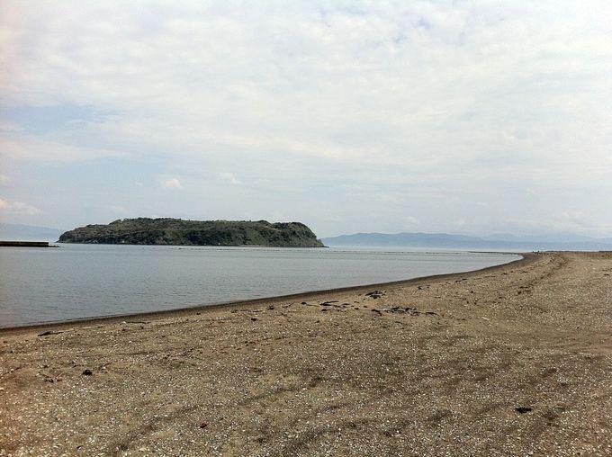 海の中から道が現れる摩訶不思議な知林ヶ島