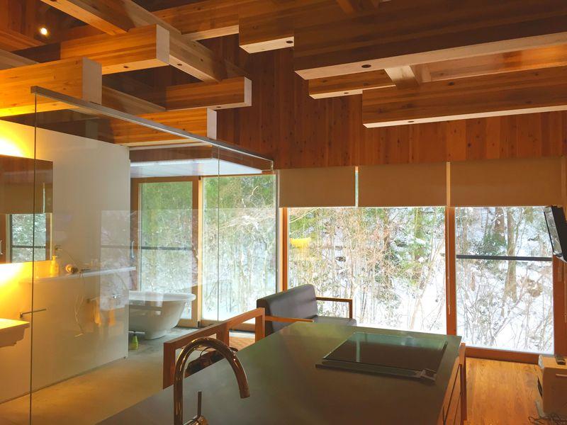今話題の「隈研吾」設計。雲の上のホテルは木の香り漂う高知の隠れ家