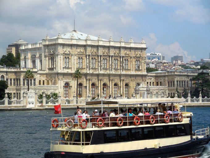 オスマン帝国最後の王宮、ドルマバフチェ宮殿
