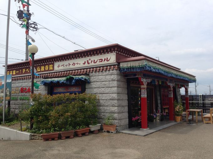 チベットカフェでひとやすみ