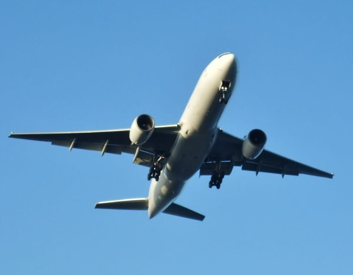 真下から見る飛行機!「城南島海浜公園」へ