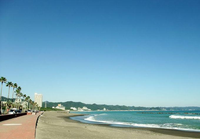 1日中見つめていたい!美しい「前原海岸」