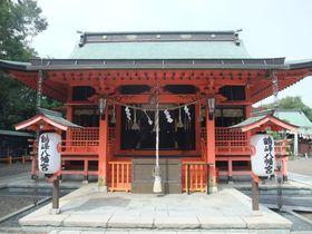 長寿のご利益?!朱色の社殿が美しい千葉県富津・鶴峰八幡宮