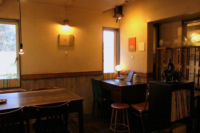 文化人から若者まで虜にする「Cafe'饗茶庵」の特別な空間