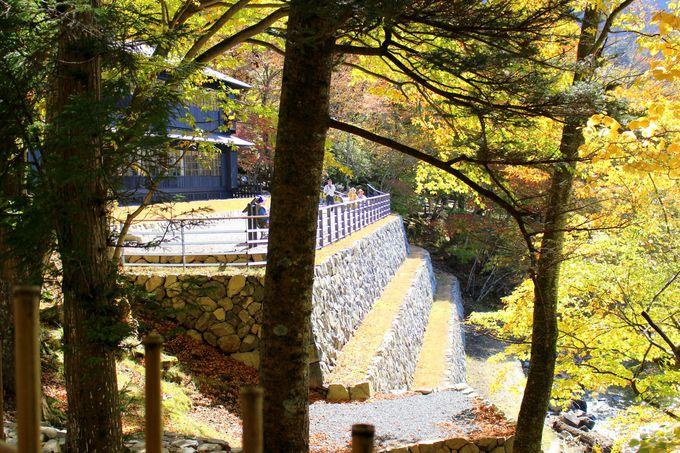 中禅寺湖の絶景を望む「石積み三段テラス」