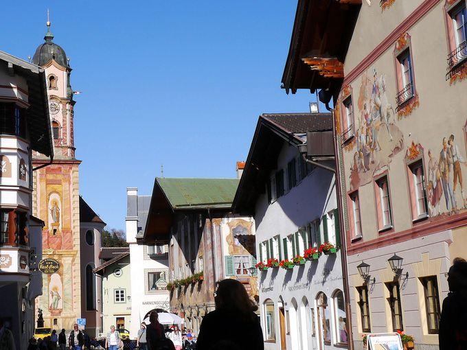 町のシンボルは「聖ペーター・聖パウル教会」の塔!