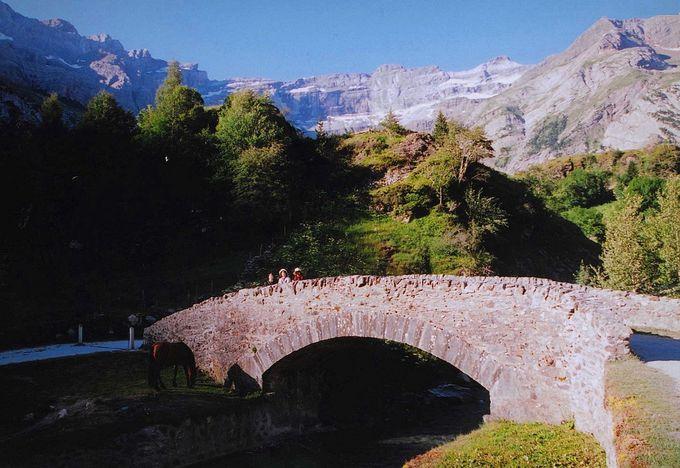 川に沿って気持ちのいいハイキングコース。