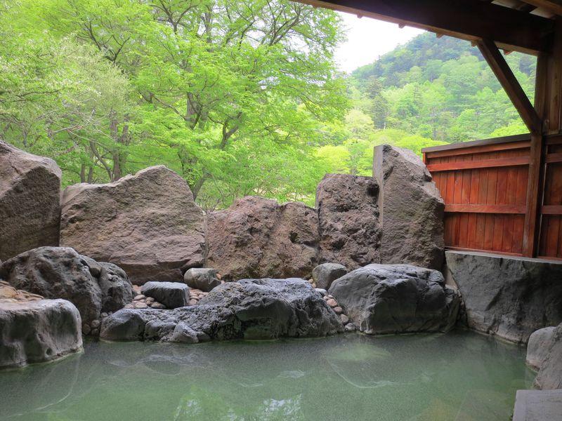 1200年の歴史を誇る日光湯元温泉!効能多数の名湯で癒されよう!