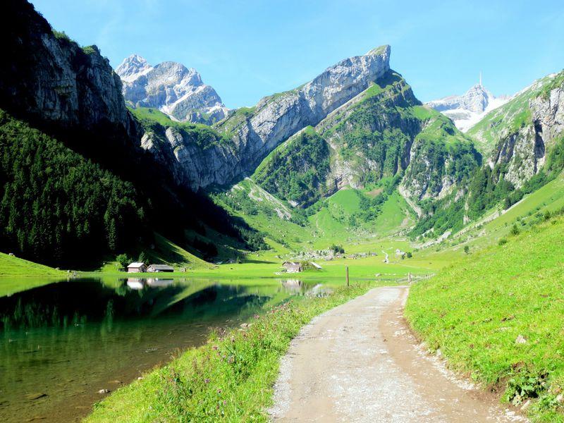 アッペンツェル地方はハイキング天国!絶景に次ぐ絶景!
